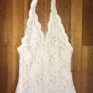 Cute laces halter top!!